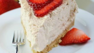 Strawberries And Cream Cheesecake In The Instant Pot