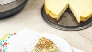 Instant Pot Keto Cheesecake Recipe (gluten-free and sugar-free)